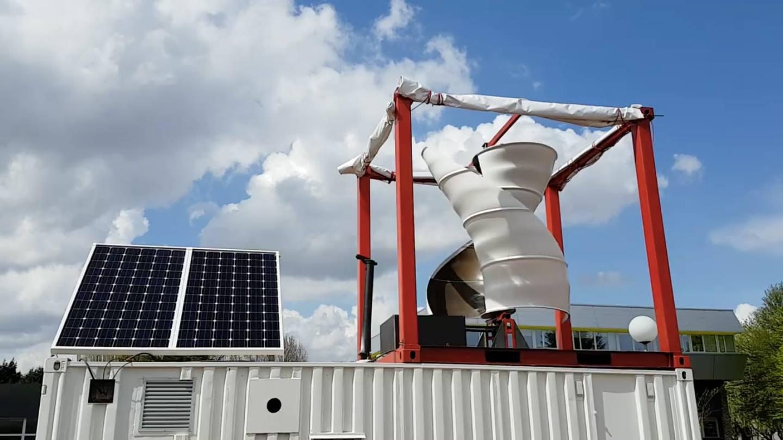 Lancement de la première éolienne hybride d'Unéole